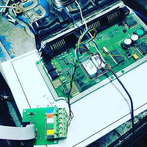 آموزش کامپیوتر خودرو